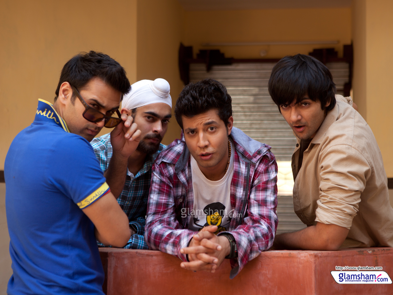 fukrey-wallpaper-05-12x9