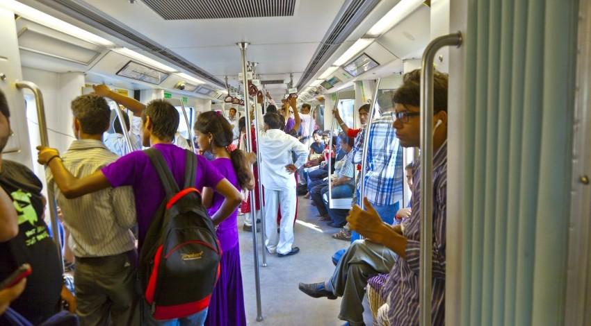 delhi-metro-2-e1480320861779 (1).jpg