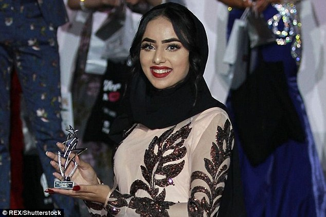 Muslim-Becomes-First-to-Wear-Hijab-in-Miss-England-Finals-1.jpg
