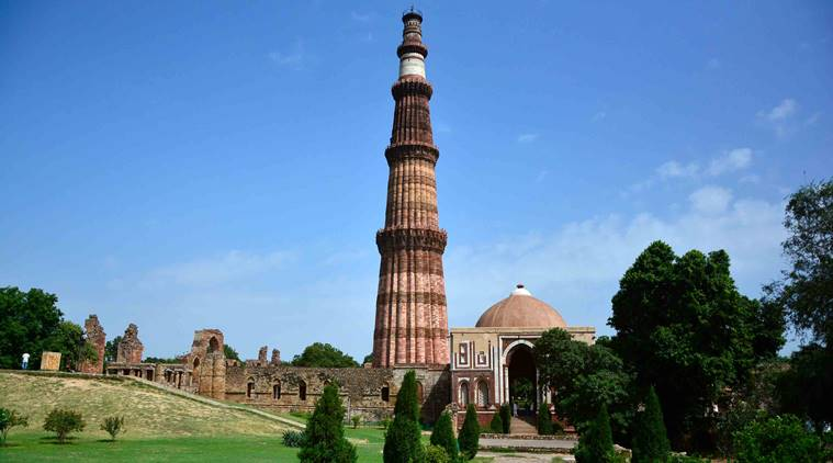 Must Visit Monuments - Qutub Minar