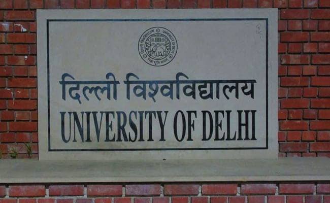 DU playing with the lives of students: Delhi HC